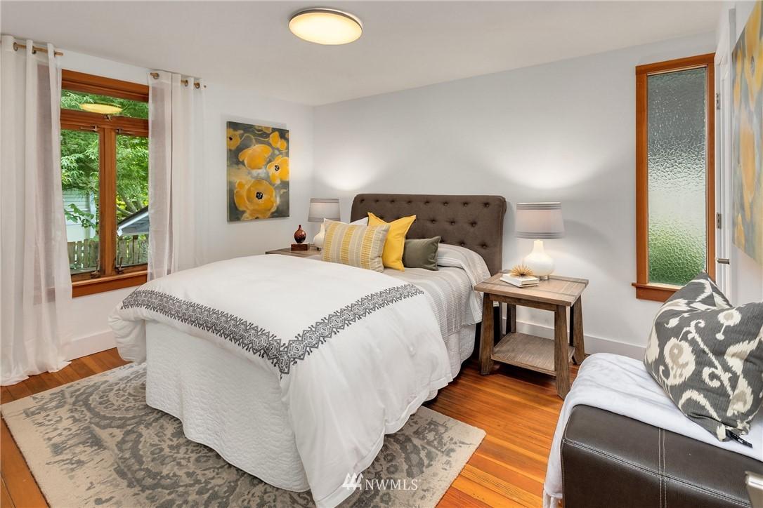 Sold Property   117 N 60th Street Seattle, WA 98103 13