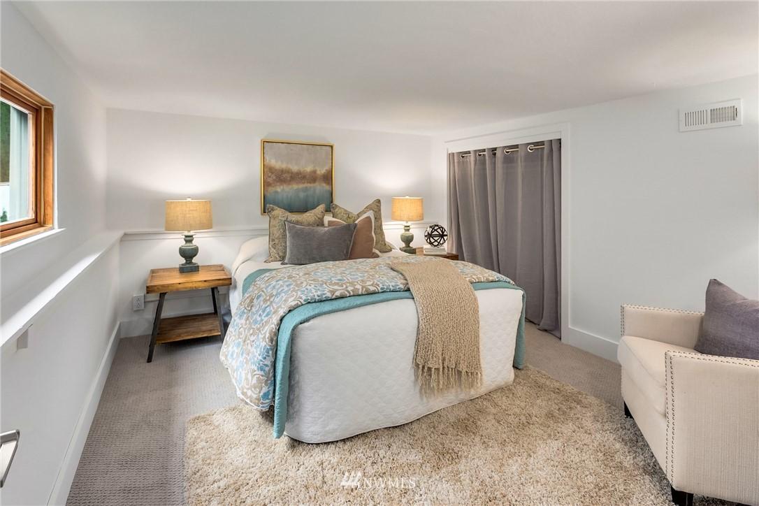 Sold Property   117 N 60th Street Seattle, WA 98103 20