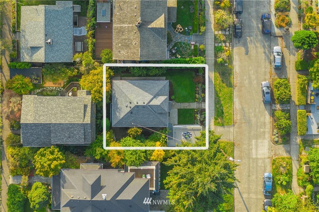 Sold Property   117 N 60th Street Seattle, WA 98103 21
