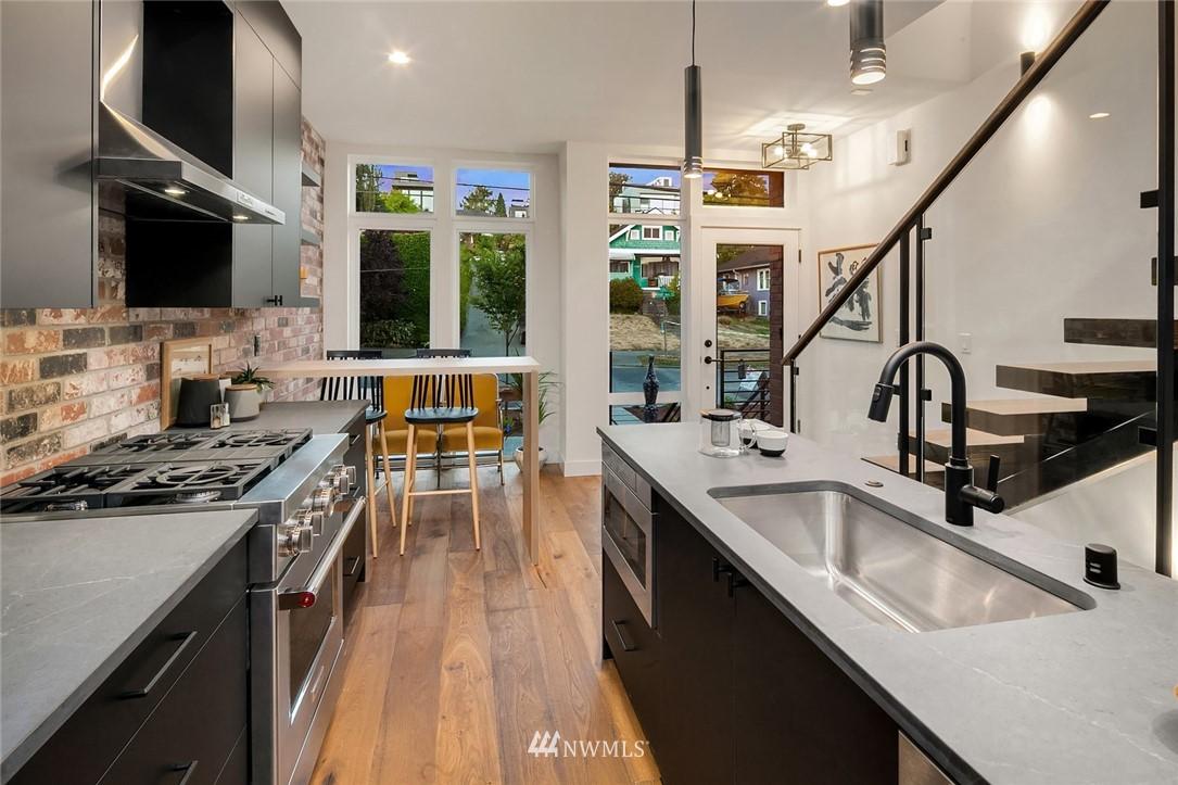 Sold Property | 2361 Minor Avenue E Seattle, WA 98102 7