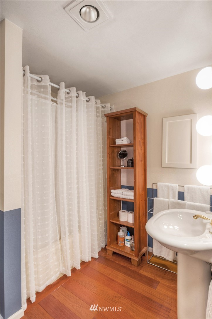 Sold Property | 2222 NE 92nd Street #312 Seattle, WA 98115 2