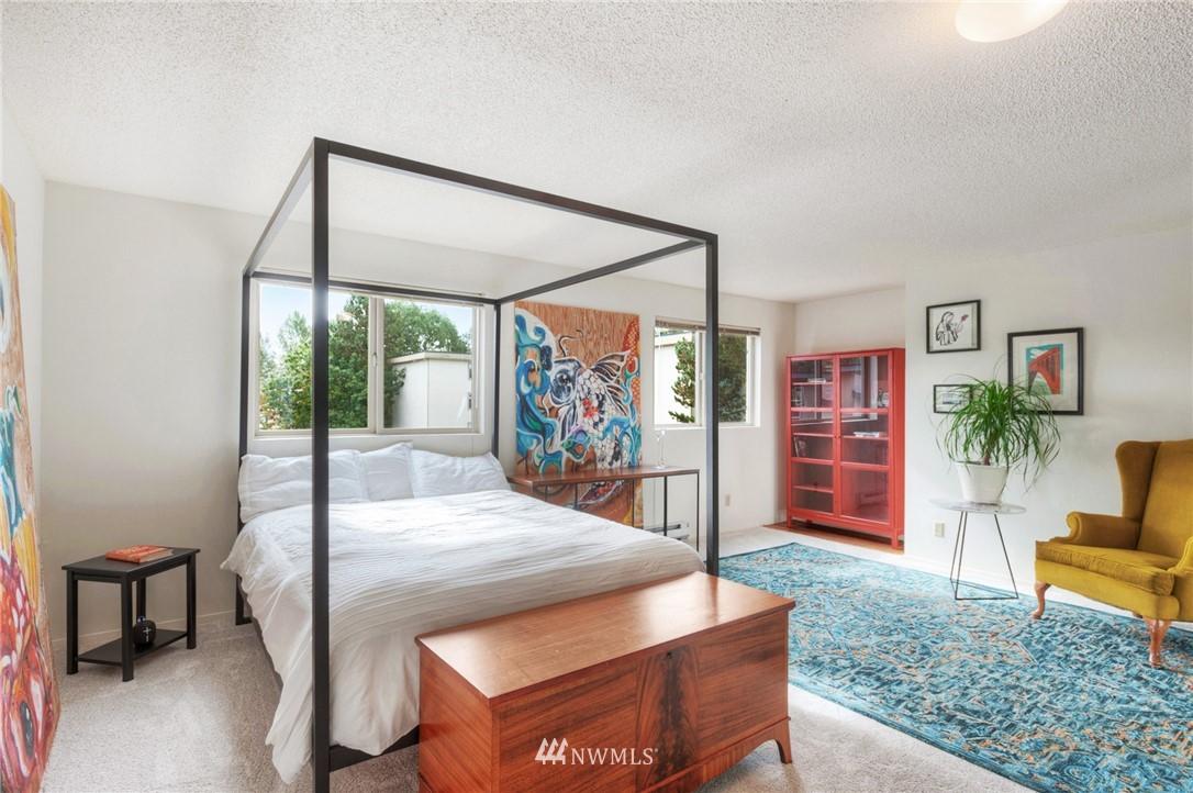 Sold Property | 2222 NE 92nd Street #312 Seattle, WA 98115 3