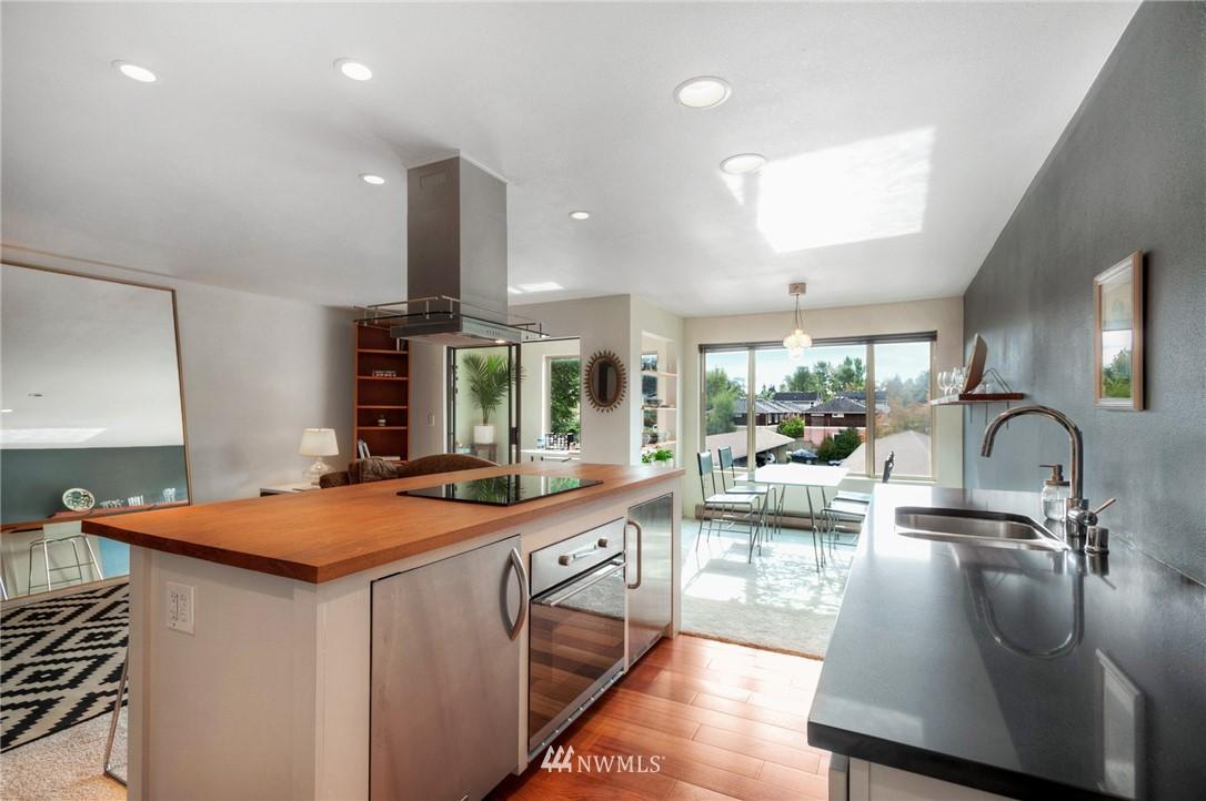 Sold Property | 2222 NE 92nd Street #312 Seattle, WA 98115 5