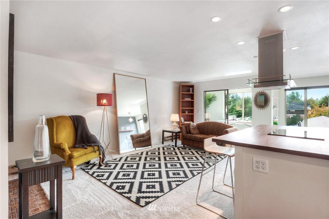 Sold Property | 2222 NE 92nd Street #312 Seattle, WA 98115 6