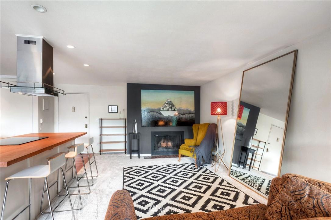 Sold Property | 2222 NE 92nd Street #312 Seattle, WA 98115 11