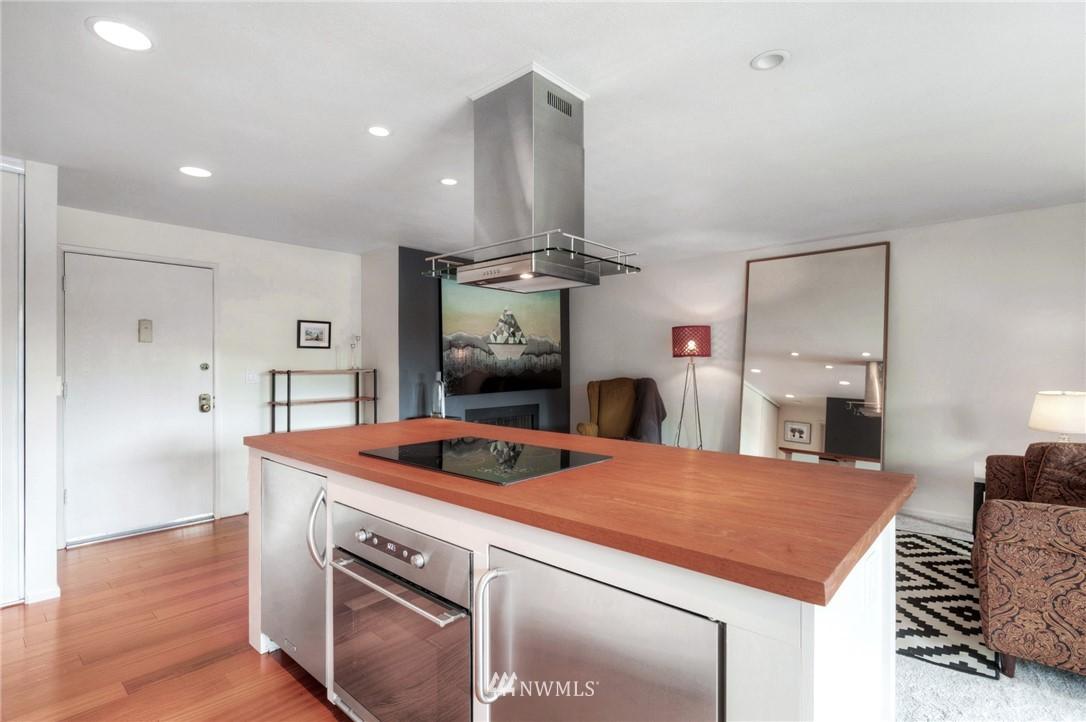 Sold Property | 2222 NE 92nd Street #312 Seattle, WA 98115 15