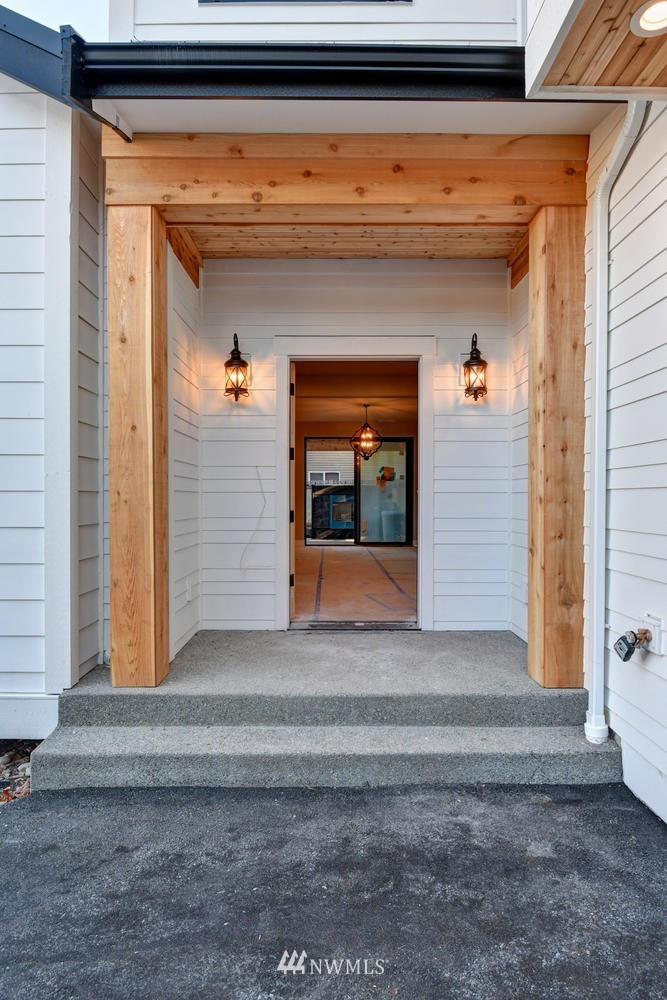Sold Property | 20042 Greenwood Avenue N Shoreline, WA 98133 1