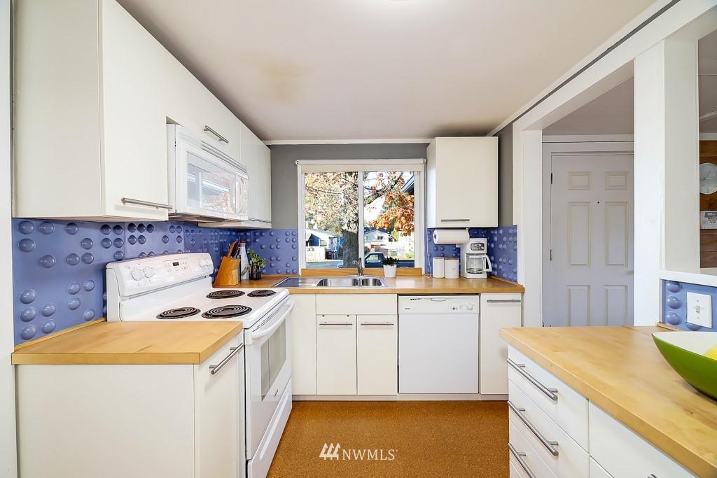 Sold Property | 711 S Rose Street Seattle, WA 98108 9
