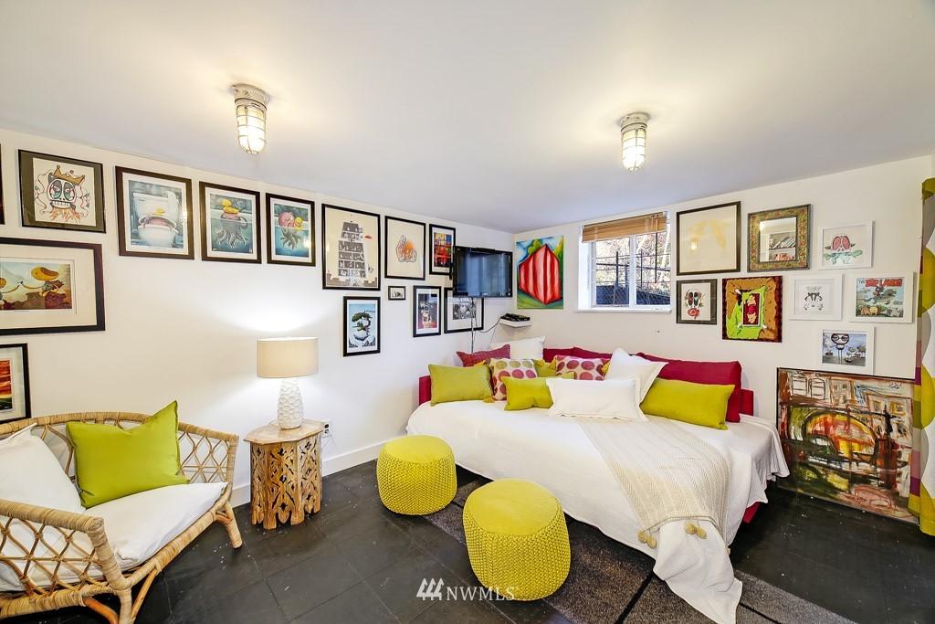 Sold Property | 711 S Rose Street Seattle, WA 98108 15