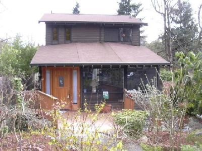 Sold Property | 6832 21 Avenue NE Seattle, WA 98115 0