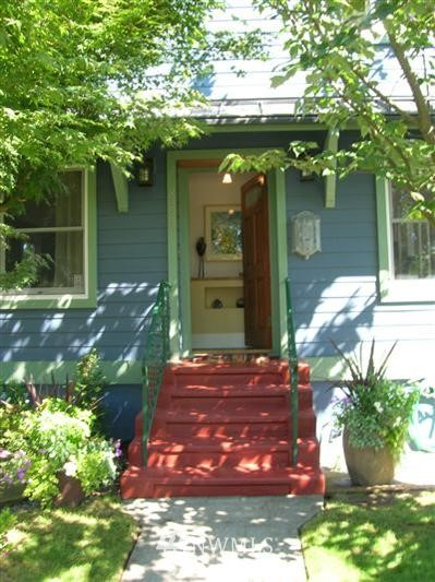 Sold Property | 8222 Corliss Avenue N Seattle, WA 98103 0