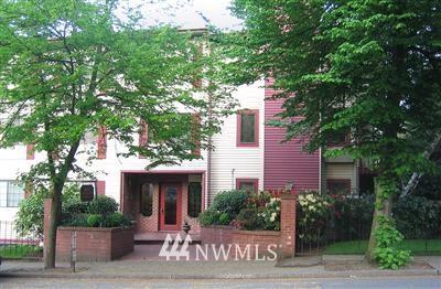Sold Property | 9800 Roosevelt Way NE #26 Seattle, WA 98115 0
