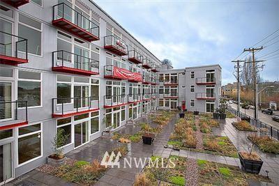 Sold Property | 2960 Eastlake Avenue E #210 Seattle, WA 98102 0