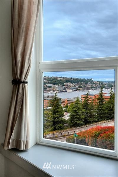 Sold Property | 530 Melrose Avenue E #304 Seattle, WA 98102 0