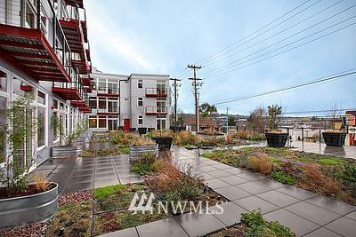 Sold Property | 2960 Eastlake Avenue E #102 Seattle, WA 98102 0