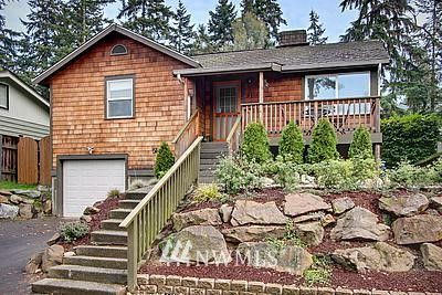 Sold Property | 8808 Ravenna Avenue NE Seattle, WA 98115 0