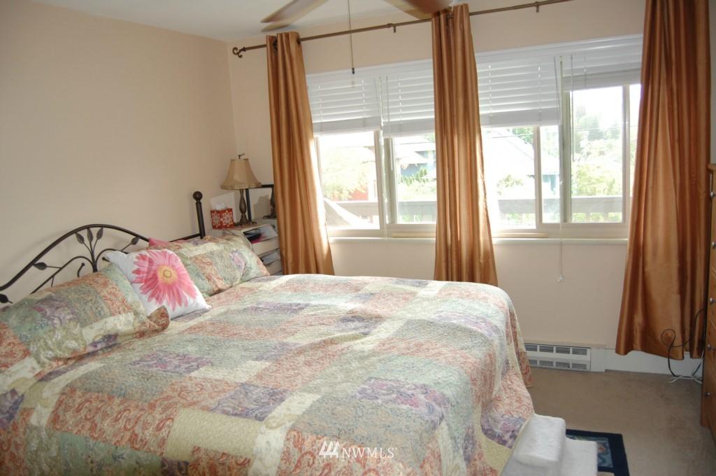Sold Property | 4219 Whitman Avenue N #5 Seattle, WA 98103 0
