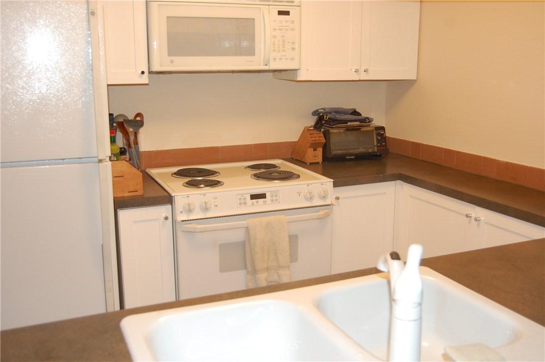 Sold Property | 275 W Roy Street #113 Seattle, WA 98119 2