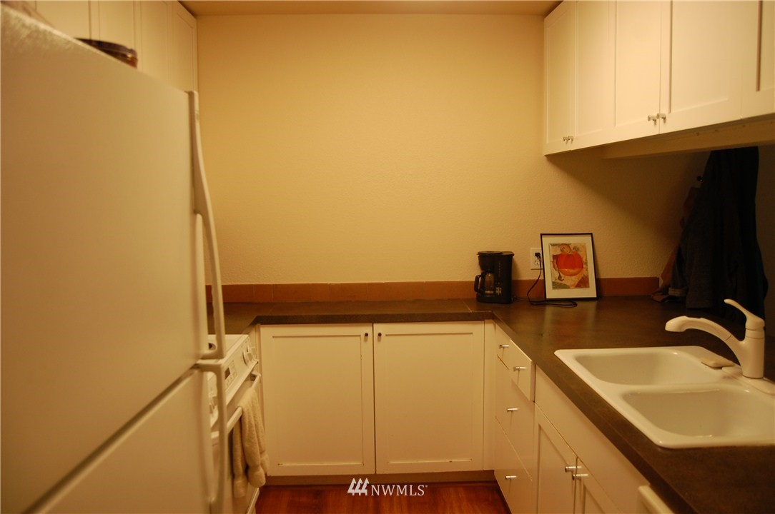 Sold Property | 275 W Roy Street #113 Seattle, WA 98119 4