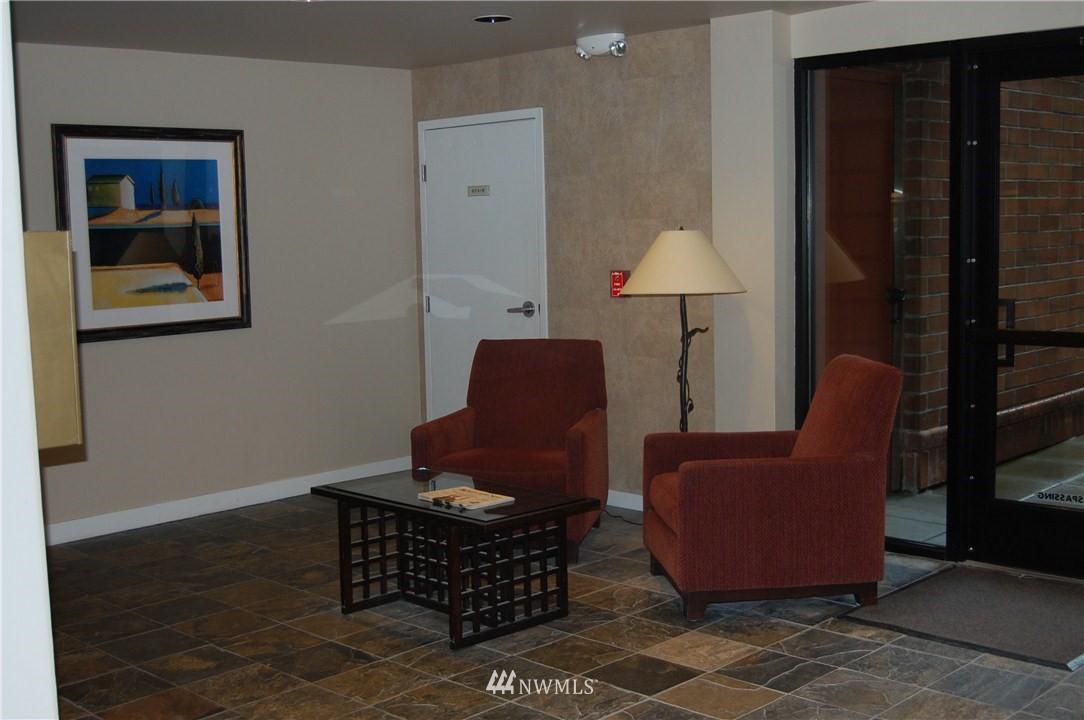 Sold Property | 275 W Roy Street #113 Seattle, WA 98119 8