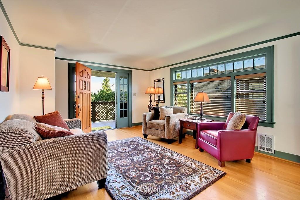 Sold Property | 8007 17th Avenue NE Seattle, WA 98115 1