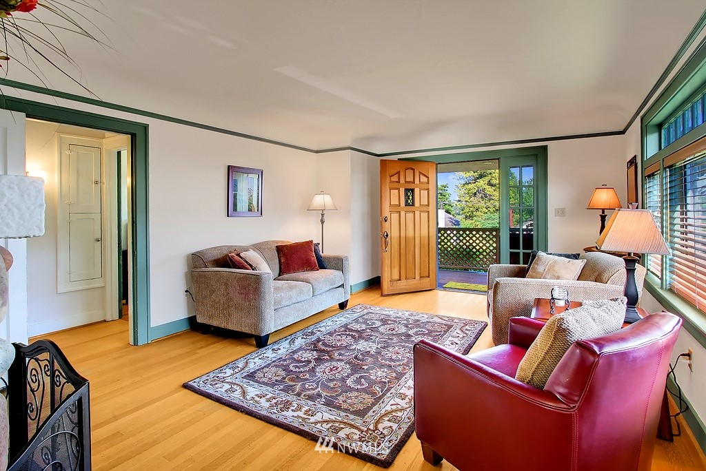 Sold Property | 8007 17th Avenue NE Seattle, WA 98115 2