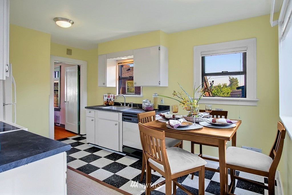 Sold Property | 8007 17th Avenue NE Seattle, WA 98115 5