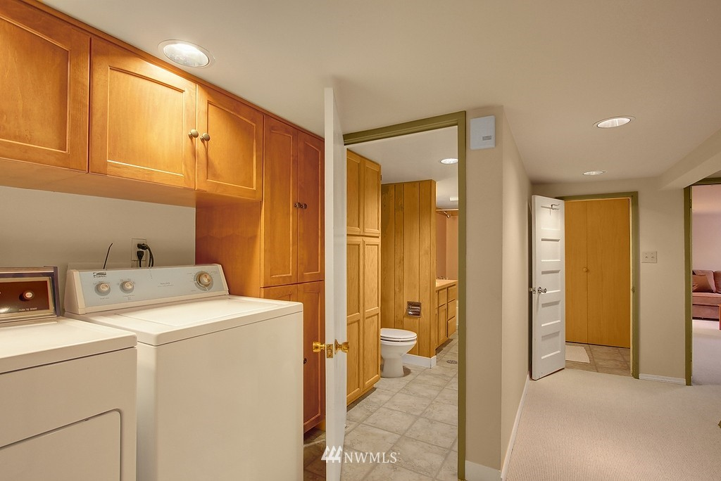 Sold Property | 8007 17th Avenue NE Seattle, WA 98115 12
