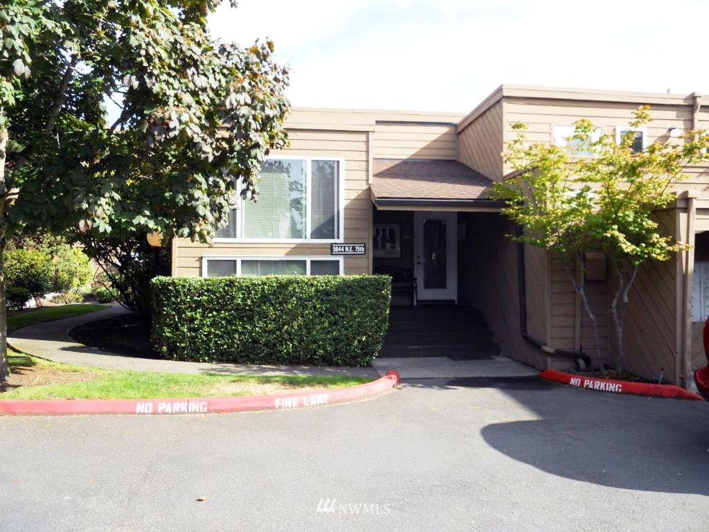 Sold Property | 5844 NE 75th Street #304 Seattle, WA 98115 8
