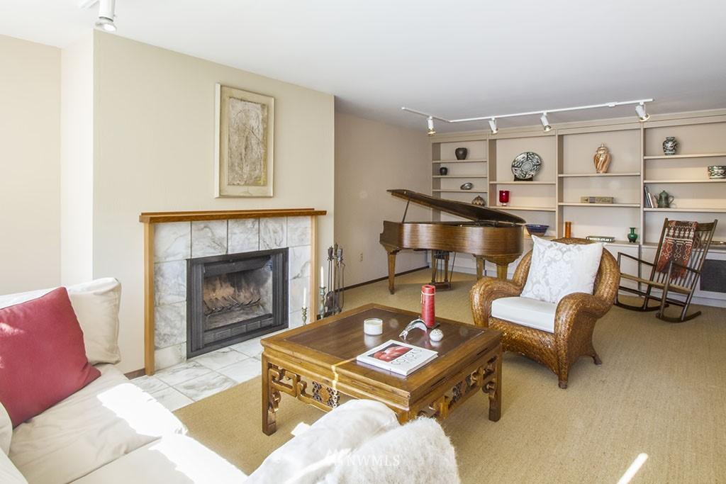 Sold Property | 6708 Parkpoint  Way NE Seattle, WA 98115 2