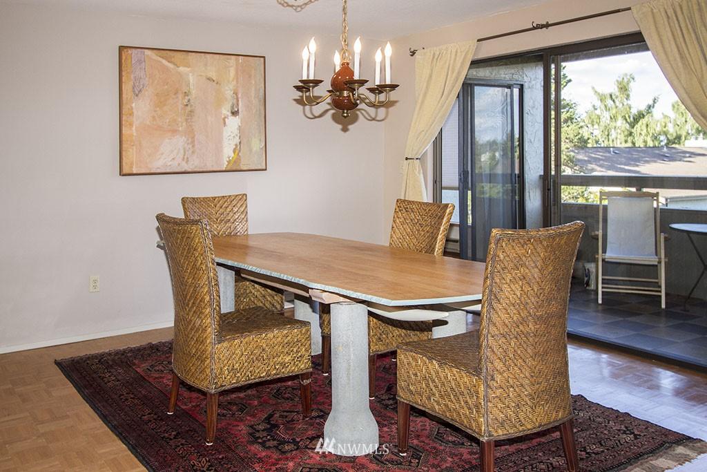 Sold Property | 6708 Parkpoint  Way NE Seattle, WA 98115 4