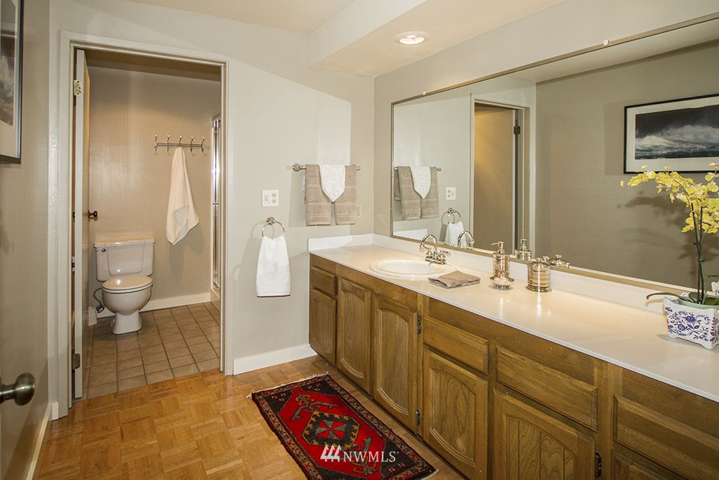 Sold Property | 6708 Parkpoint  Way NE Seattle, WA 98115 9