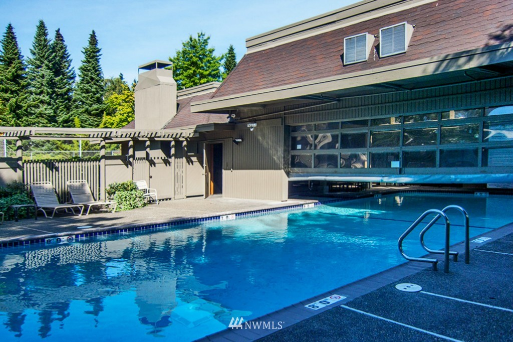 Sold Property | 6708 Parkpoint  Way NE Seattle, WA 98115 14