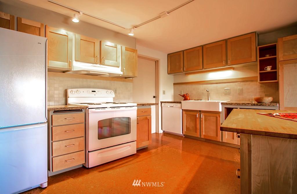 Sold Property | 6708 Parkpoint  Way NE Seattle, WA 98115 7