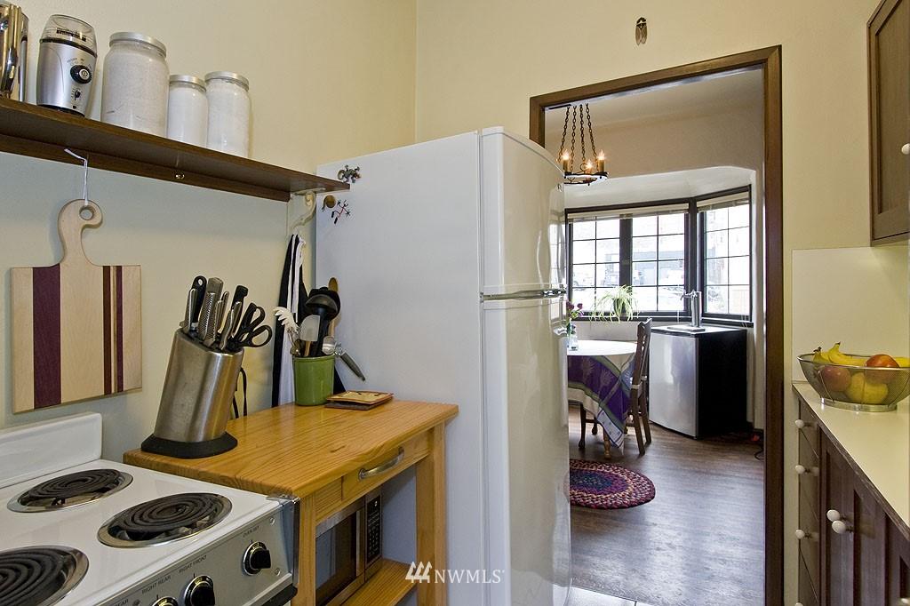 Sold Property | 4225 Brooklyn Avenue NE #1 Seattle, WA 98105 6