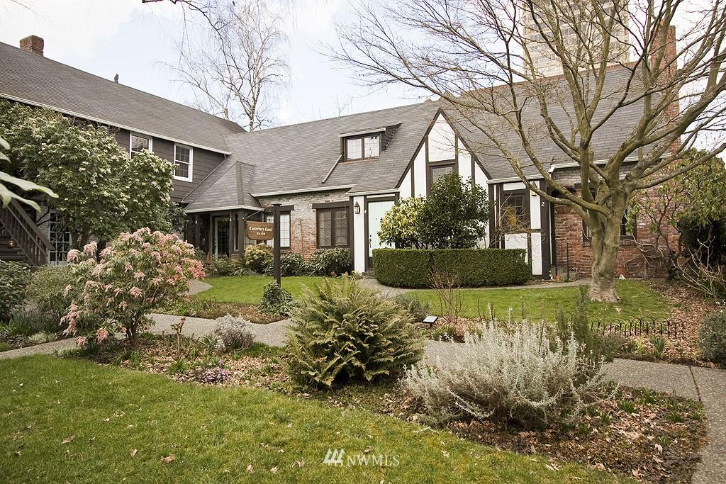 Sold Property | 4225 Brooklyn Avenue NE #1 Seattle, WA 98105 13