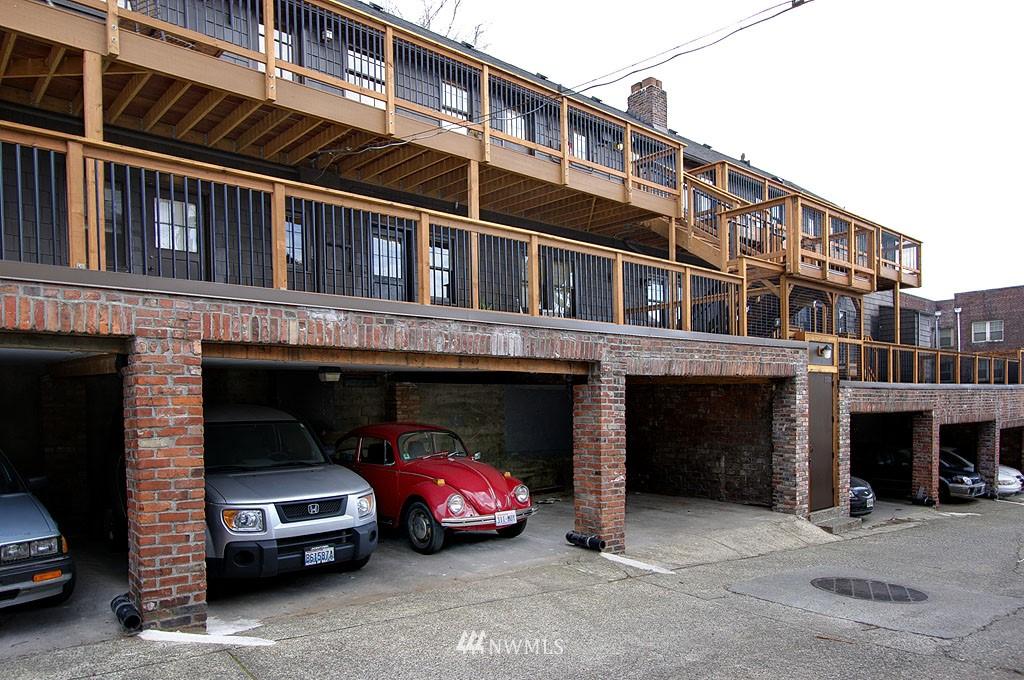 Sold Property | 4225 Brooklyn Avenue NE #1 Seattle, WA 98105 14