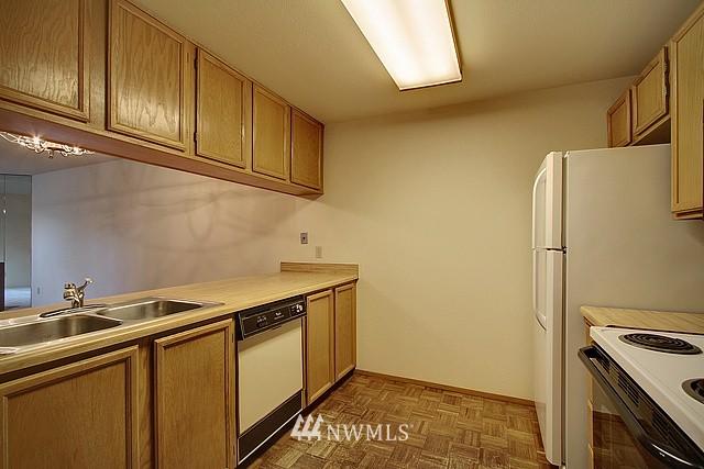 Sold Property | 10501 8th Avenue NE #134 Seattle, WA 98125 3