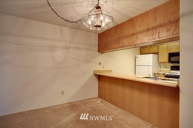 Sold Property | 10501 8th Avenue NE #134 Seattle, WA 98125 4