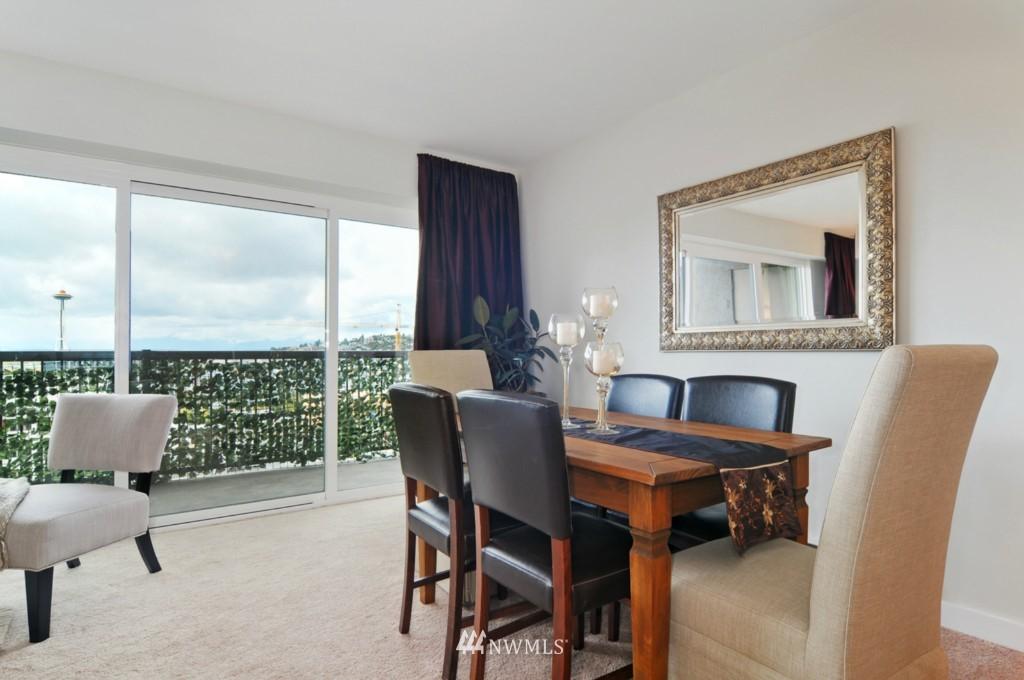 Sold Property | 320 Melrose Avenue E #402 Seattle, WA 98102 3