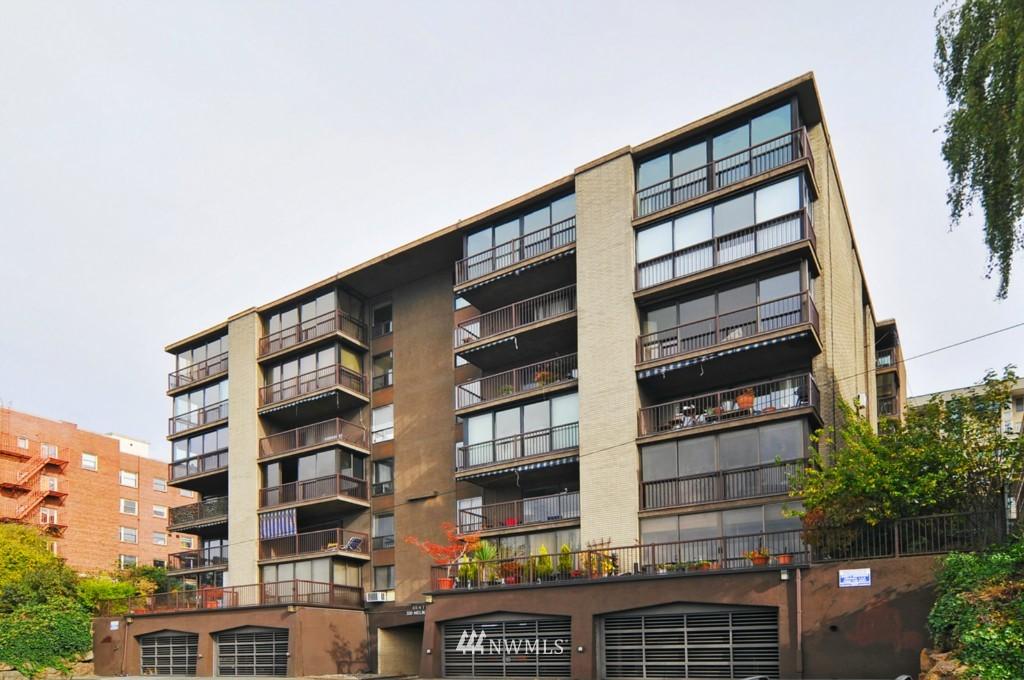 Sold Property | 320 Melrose Avenue E #402 Seattle, WA 98102 14