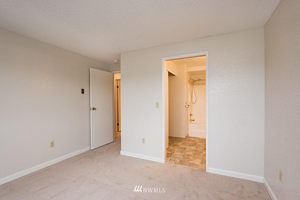 Sold Property | 9255 Greenwood  Avenue N #22 Seattle, WA 98103 5