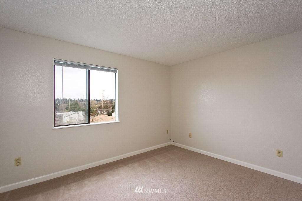 Sold Property | 9255 Greenwood  Avenue N #22 Seattle, WA 98103 6