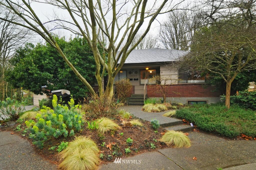 Sold Property | 10021 7th Avenue NW #B Seattle, WA 98177 0