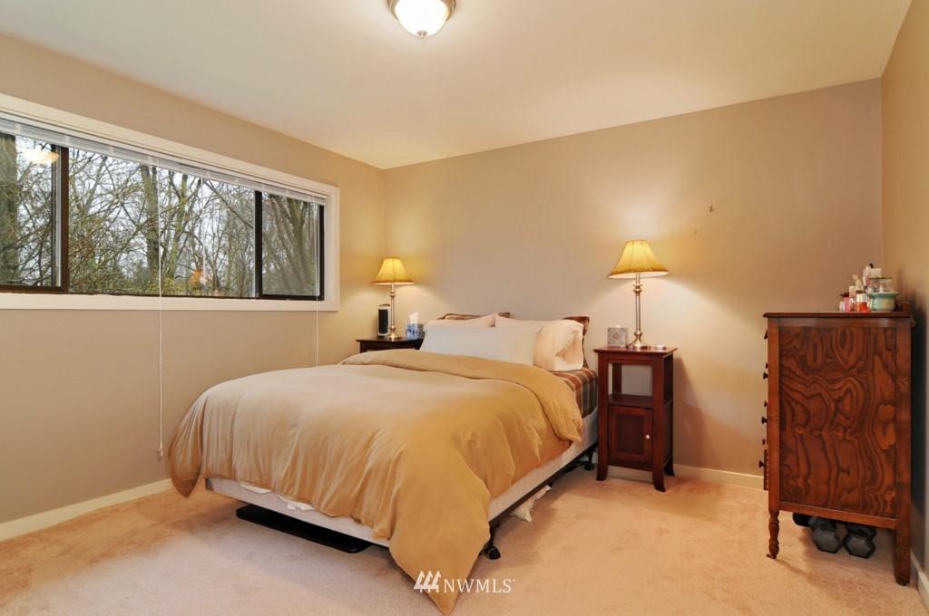 Sold Property | 10021 7th Avenue NW #B Seattle, WA 98177 6
