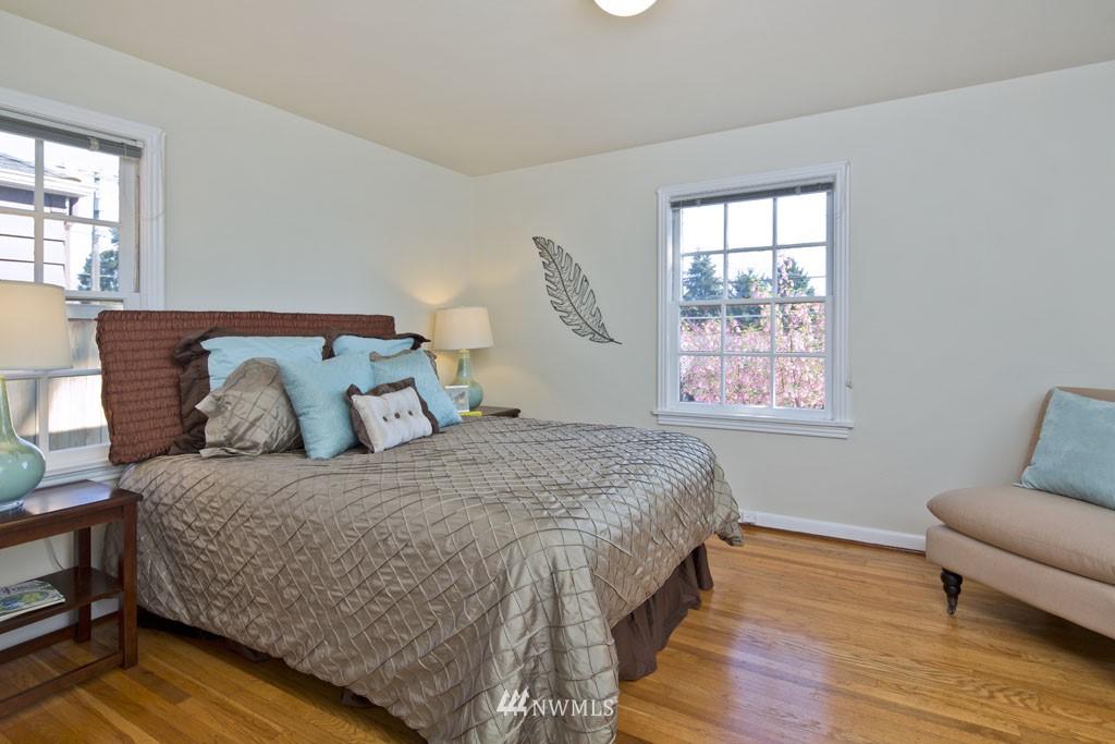 Sold Property   7337 20th Avenue NE Seattle, WA 98115 5