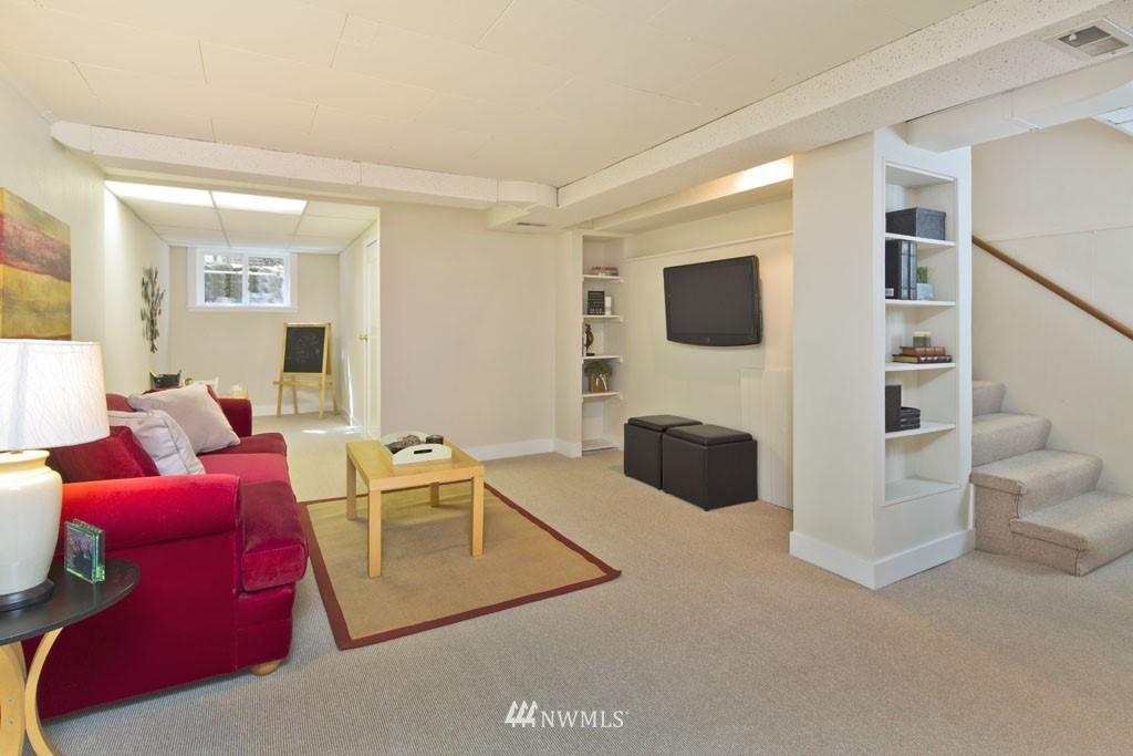 Sold Property   7337 20th Avenue NE Seattle, WA 98115 11