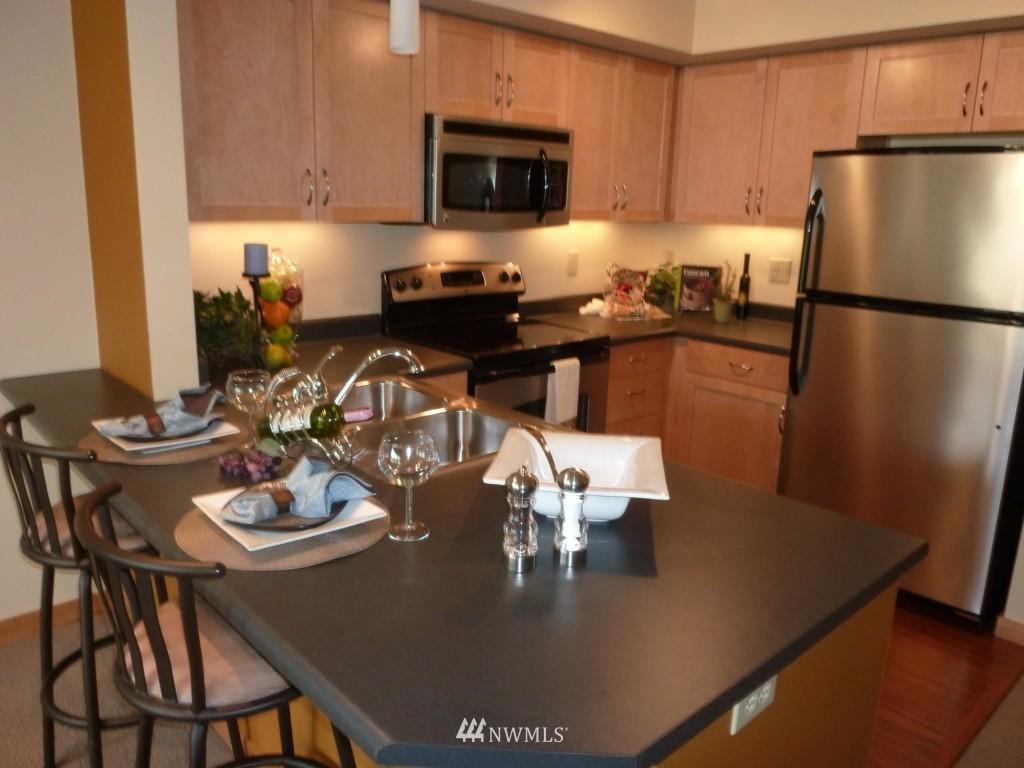 Sold Property   827 Hiawatha  Place S #518 Seattle, WA 98144 2
