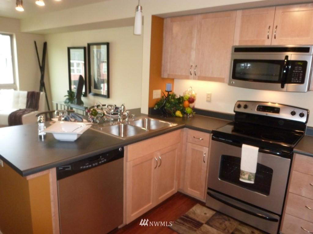 Sold Property   827 Hiawatha  Place S #518 Seattle, WA 98144 3