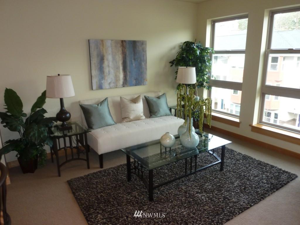 Sold Property   827 Hiawatha  Place S #518 Seattle, WA 98144 5